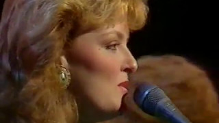 "Wogan - The Judds - ""Don't Be Cruel"""