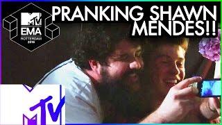 Gambar cover Bebe Rexha Pranks Shawn Mendes | 2016 MTV EMA | MTV Music