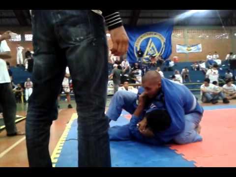 renato calios II open de jiu-jitsu terra roxa
