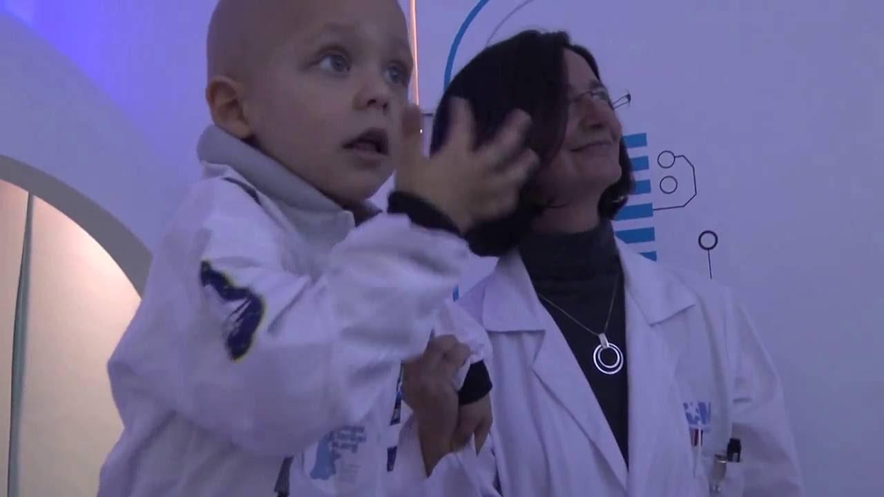 Juegaterapia inaugura su primera Estación Lunar en el hospital Gregorio Marañón