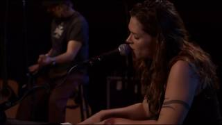 <b>Beth Hart</b>  Leave The Light On