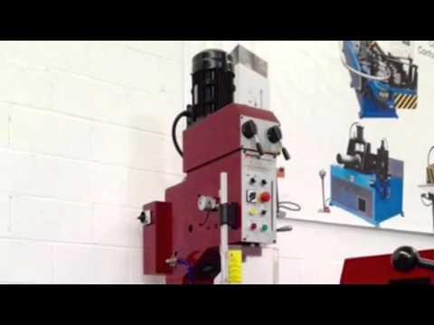 Taladro de columna de engranajes avance automático DM-45 de: Técnicas Aragonesas Salazar S.A.