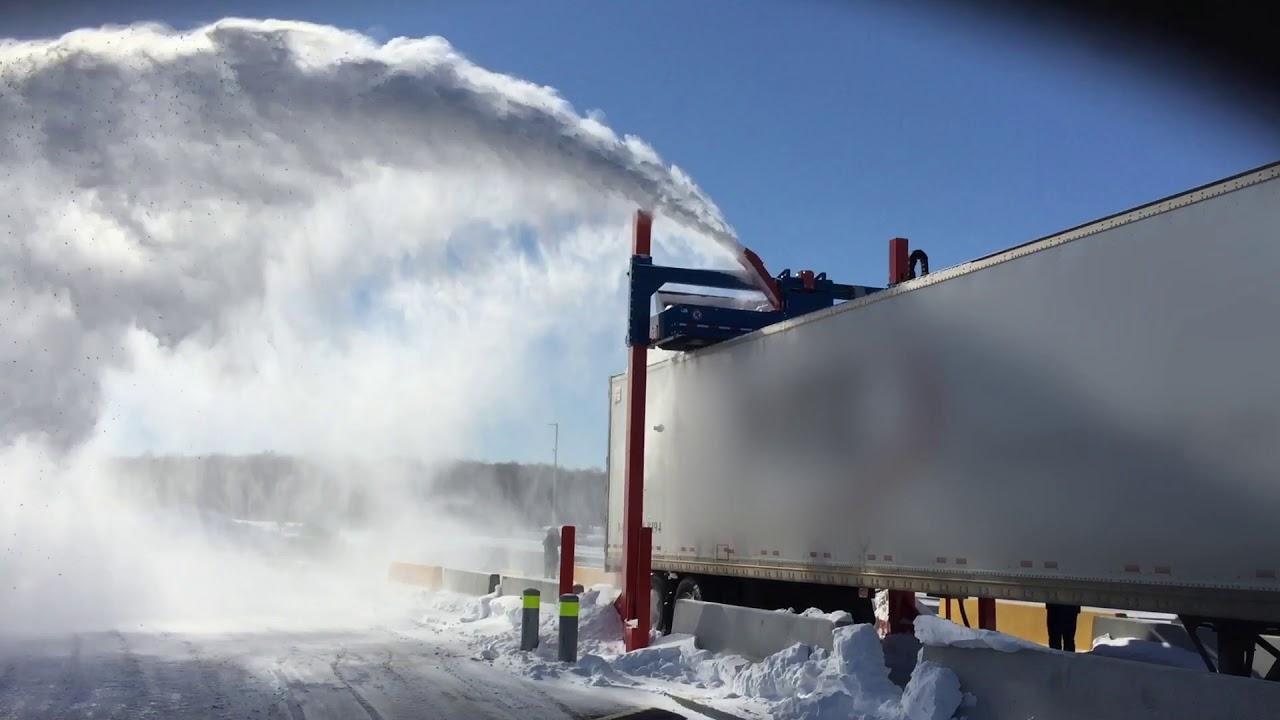 60 секунд на уборку снега с полуприцепа? Это возможно