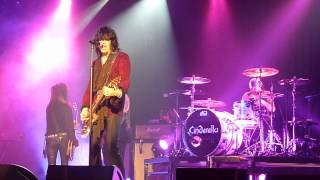 Cinderella - Bad Seamstress Blues / Fallin' Apart At The Seams (Revolution Live - Aug 07, 2010)