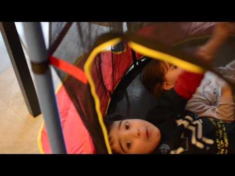 Tappeto elastico! Regalo per il 3° compleanno di Alyssa