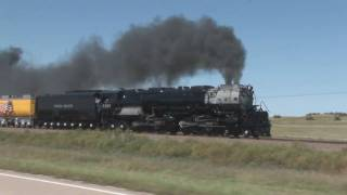 Union Pacific 3985 With Maximum Smoke In HD