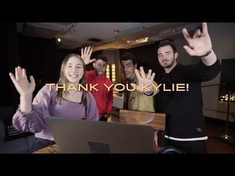 Jonas Brothers - What A Man Gotta Do (Kylie Fan Reaction)