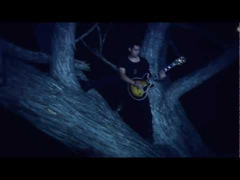 Criminal - Elyse (Official Video)