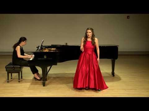 Alexandra Logue sings Der Hölle Rache from Die Zauberflöte by W.A Mozart