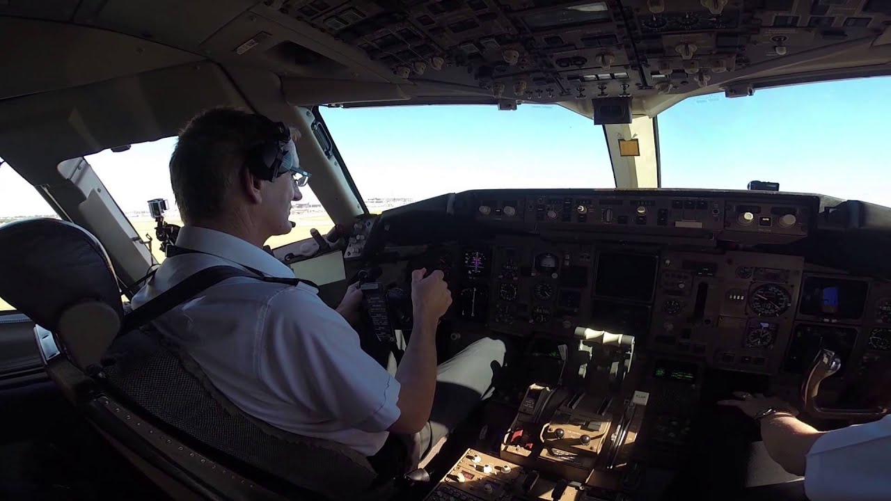 View From The Top: Watch Qantas' Last Boeing 767 Take Its Final Flight
