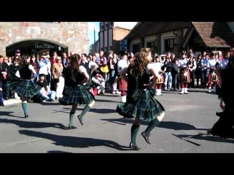 2/4 - El Ceilidh (baile escocés) en St. George's College (Quilmes BA, Argentina)