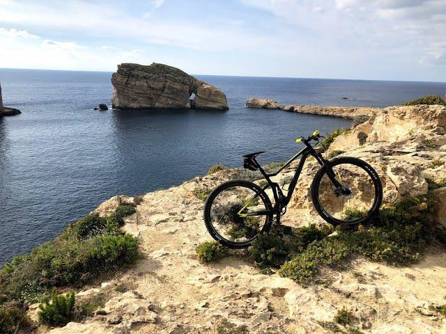 Видео Велосипед Scott Spark 970 black/yellow