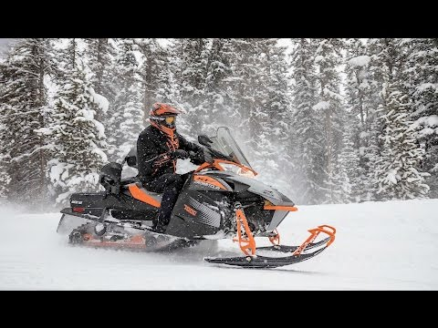 2018 Arctic Cat XF 8000 Cross Country Limited ES in Escanaba, Michigan