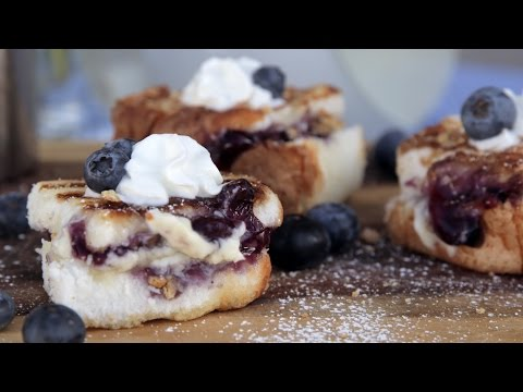 How to Make Grilled Blueberry Cheesecake | Eat the Trend