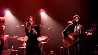 "Adam Green & Binki Shapiro ""Just To Make Me Feel Good"" @ Café de la Danse (Paris)"