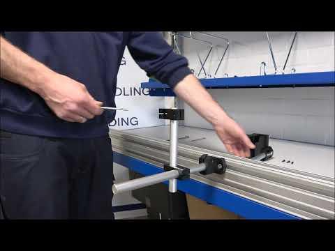 CM 100: Houder en printer monteren
