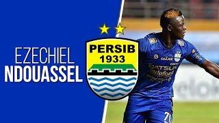 Video Aksi Spektakuler Ezechiel N'Douassel Bobol Gawang Borneo FC dengan Sundulannya