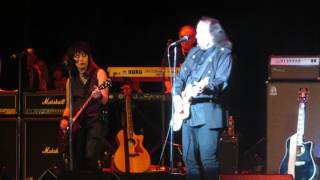 "Tommy James and Joan Jett - ""Crimson and Clover"""