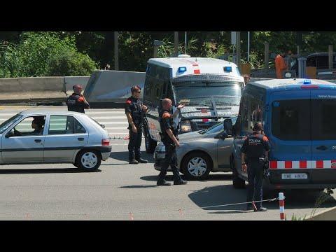 <a href='https://www.akody.com/top-stories/news/le-conducteur-de-l-attaque-de-barcelone-recherche-dans-toute-l-europe-312940'>Le conducteur de l'attaque de Barcelone recherch&eacute; dans toute l'Europe</a>