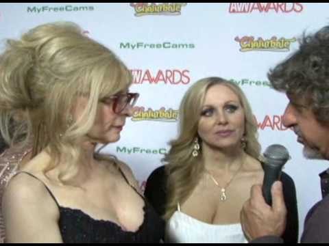 Download Nina Hartley and Julia Ann - 2017 AVN Awards HD Mp4 3GP Video and MP3