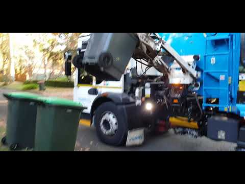 The Hills Shire City Central Garbage Los Angeles California CA City USA #SL01094 Cleanaway 🇺🇸