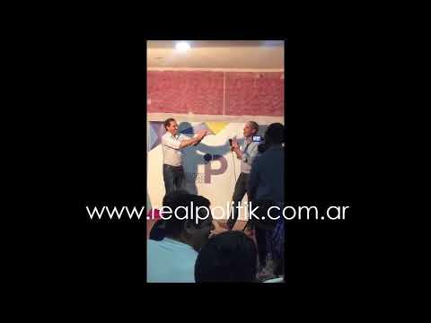 Garro instó a  cantar la Marcha Peronista en una cena organizada por el Chubito Leguizamón, uno de sus funcionarios que viene de ese palo