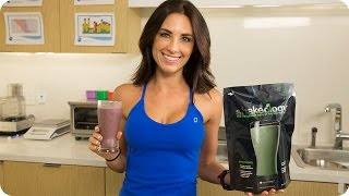 How to make a delicious GREEN SMOOTHIE—Yogo Berry Shakeology Recipe | Autumn Fitness