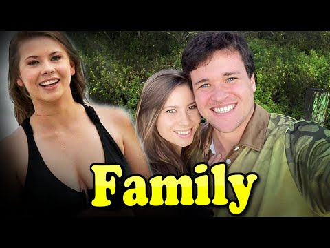 Bindi Irwin Family With Father,Mother and Husband Chandler Powell 2020