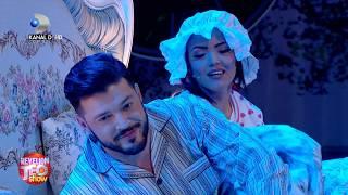 """Revelion Teo Show (31.12.2017) - Andreea Mantea si Victor Slav in sceneta: """"Mitica, dormi?"""""""