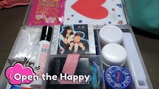 preview picture of video 'Makeup Travel Kit For the Airplane'
