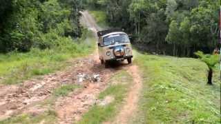 preview picture of video 'Kombi Home Lola Enduro en Caaguazú Cantera Boca Paraguay Turismo Aventura Ecoturismo'