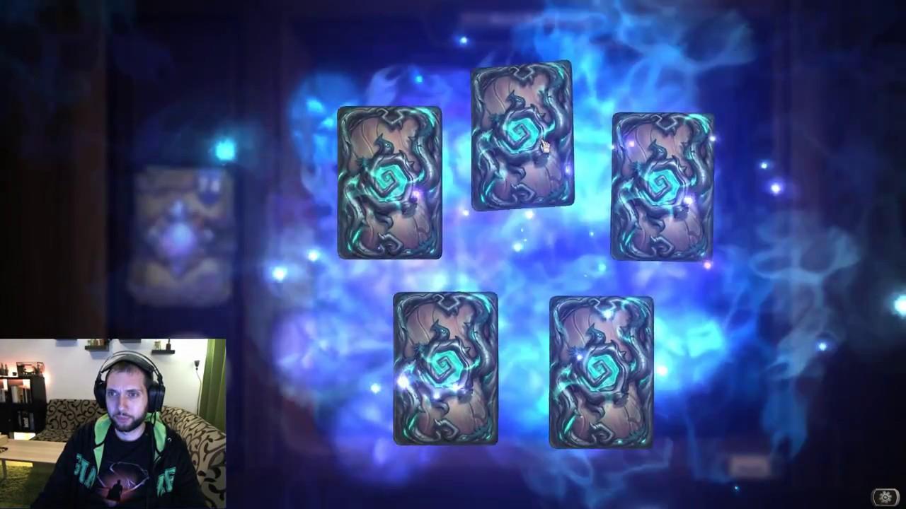 Отваряне на 75 пакета The Witchwood карти