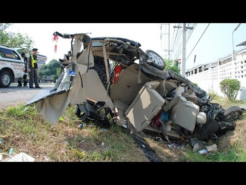 Latest Car Accident Of Toyota Avanza - Road - Crash - Compilation - Auto - 2016 - 2017 - 2018