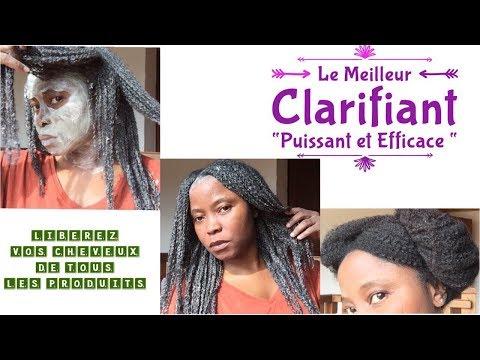 Le masque avec la paraffine pour la personne la nettoyante