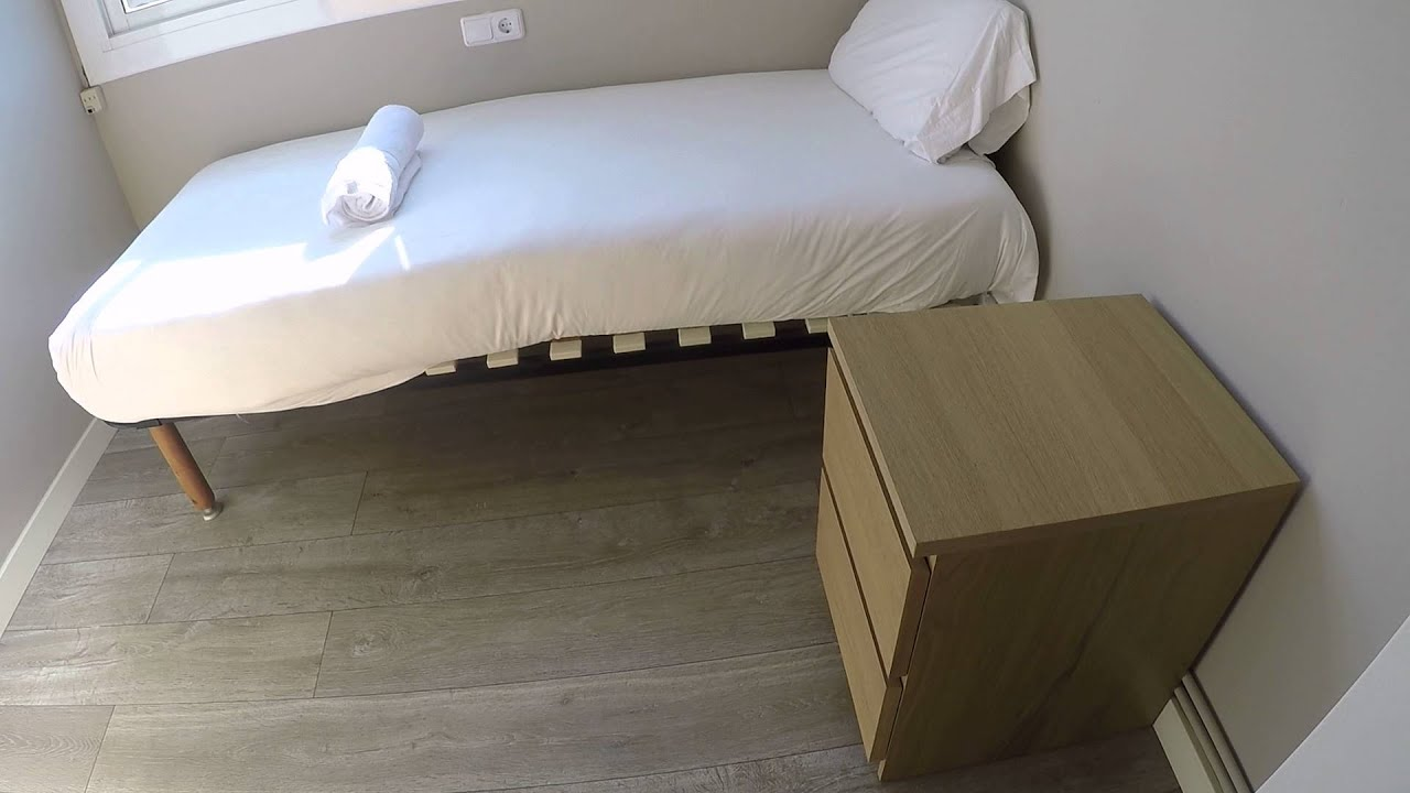 Sunny 2 bedroom apartment near Sagrada Familia in Gràcia