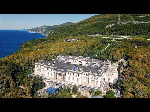 Αλεξέι Ναβάλνι: «Ο Πούτιν είναι ιδιοκτήτης ενός χρυσού παλατιού»…