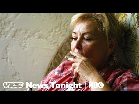 Roseanne Barr Smokes Cigs & Reflects On Her Sitcom-less Life In New 'VICE' Interview!