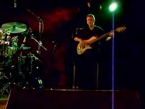 Tom Kennedy - The Mike Stern Band May '08- Trondheim, Norway online metal music video by TOM KENNEDY