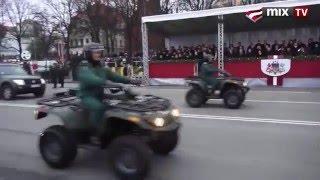 Военный парад в Латвии. Смешно до икоты )))