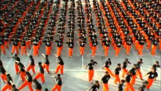 Philippine Prison - Dancing Inmates 2010 Tribute to Michael Jackson.flv