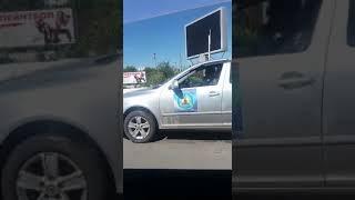 Темиртау. Сотрудник акимата без ремня за рулем и говорит по телефону
