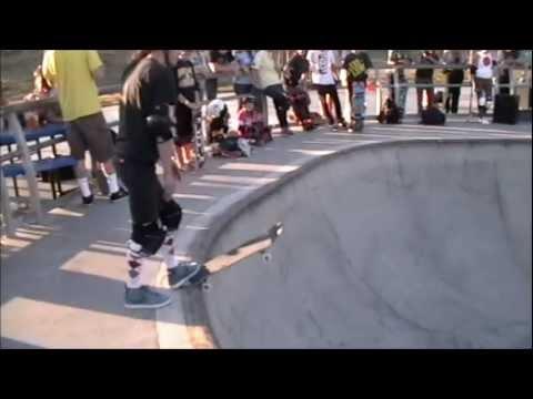 Women Skate-it-Up! Skull-Bowl contest Heat #3 of 3. 2012