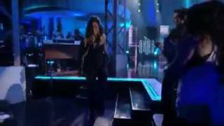 Kelly Rowland & David Guetta - When Love Takes Over (live on Lopez Tonight Show 2010) Grammy Awards