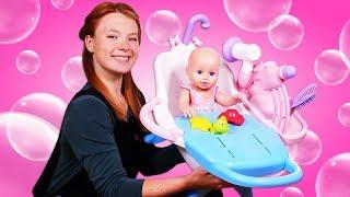 Neue Badewanne für die Baby Born Puppe. Spielzeug Video für Kinder.