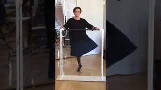 Exercise 2 für die Tänzerinnen der Klasse Grade 1