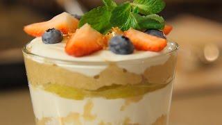 Смотреть онлайн Вкусный завтрак из творога, груши и орешков