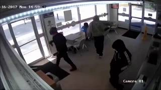 Robbers hold up donut shop and also hand out donuts