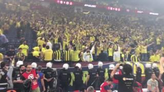 Güneşimi Kaybettim Günlerime Doğman Gerek - EL Şampiyonluğundan Sonra Fenerbahçe Taraftarı (Sahaiçi)