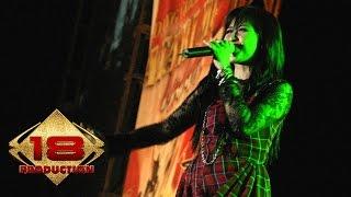 Astrid   Jadikan Aku Yang Kedua (Live Konser Anyer 25 Agustus 2007)