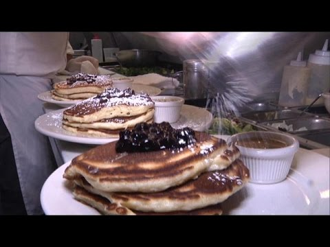Video Toni On! New York: A Killer Brunch At Clinton St. Baking Co.